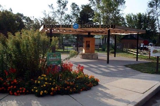oxbow-park-zollman-zoo