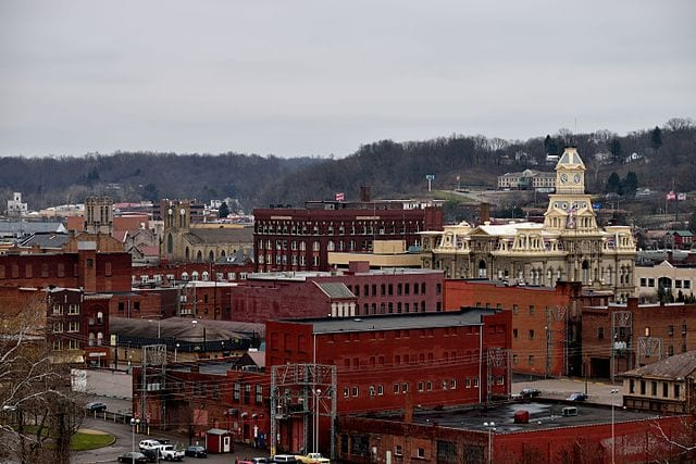 640px-Downtown_Zanesville_from_Putnam_Hill_Park