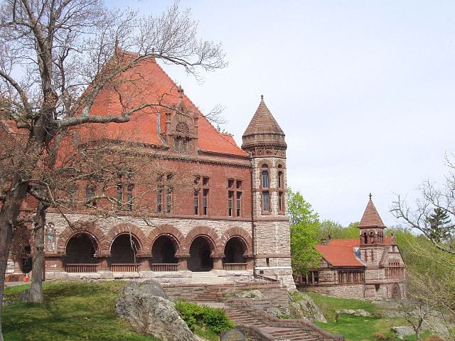 640px-Oakes_Ames_Memorial_Hall_and_Ames_Free_Library_(North_Easton,_MA)