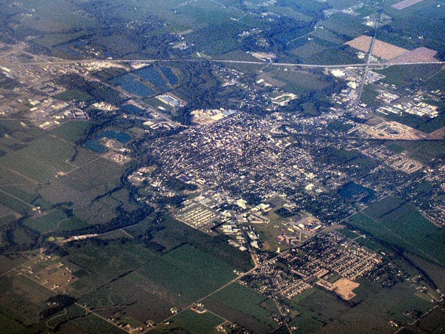 640px-Shelbyville-indiana-from-above