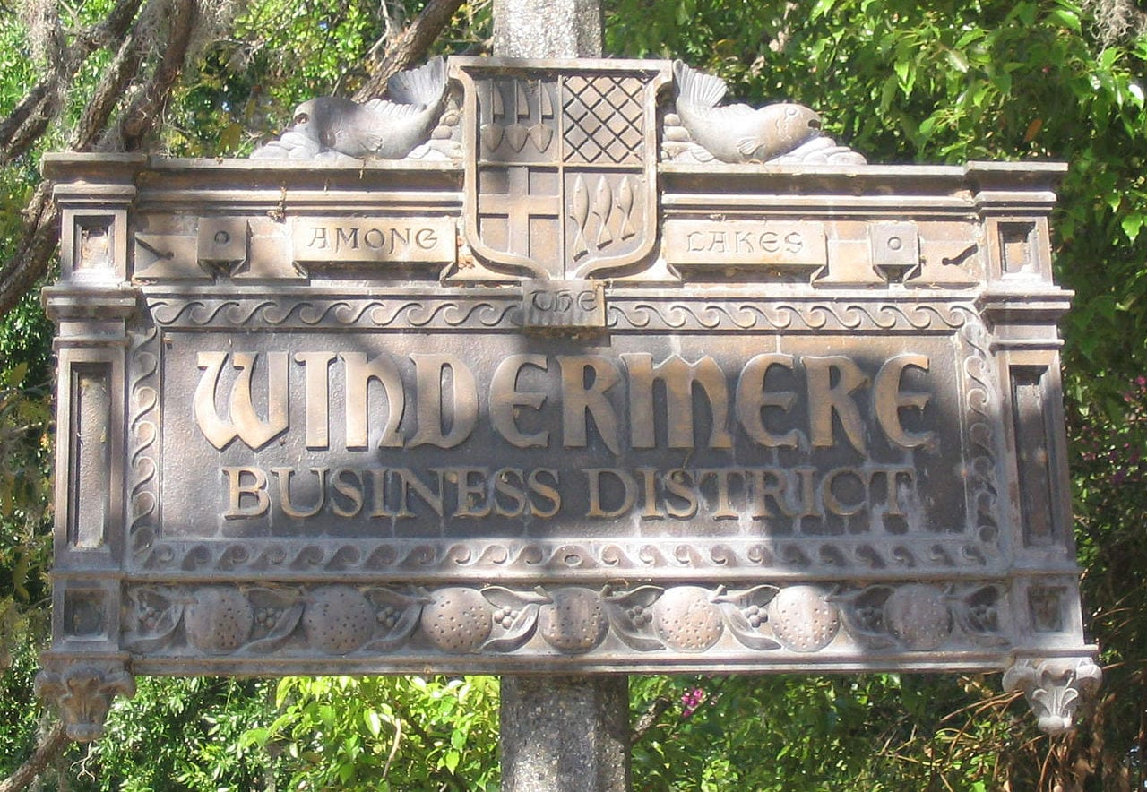 1280px-Windermere_Business_District
