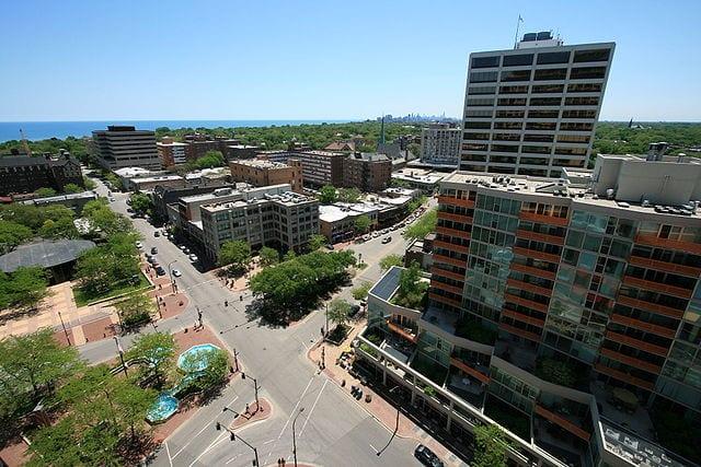 640px-Fountain_Square_Evanston