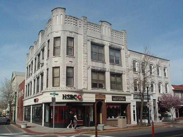 640px-Ridgewood_NJ_Downtown